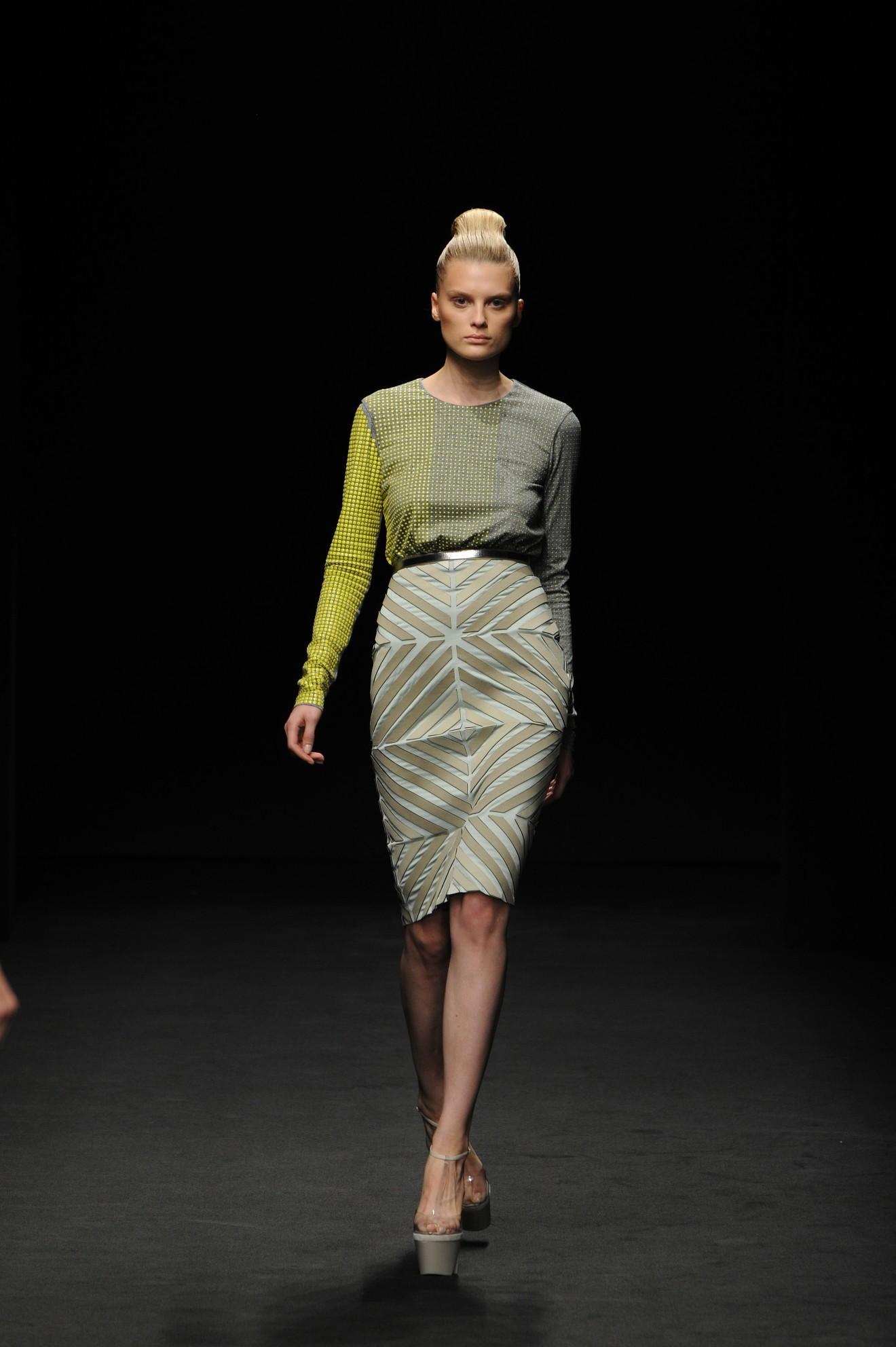 Milan Fashion Week The Graphic Minimalism Of Marco De Vincenzo Fbf