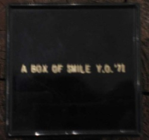 Yoko Ono, A box of smile