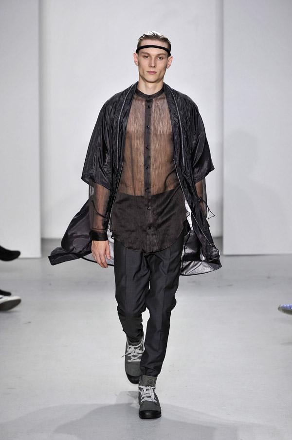 Futuristic Fashion Model Royalty Free Stock Photos: THE FUTURISTIC MALE ELEGANCE OF QASIMI