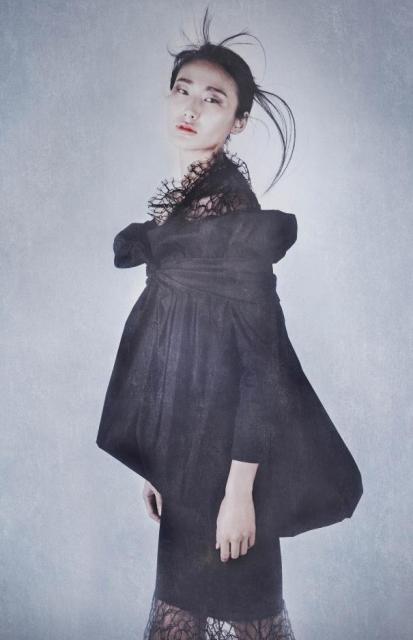 Leila Wang in Joyce by Romeo Gigli, photo by  Thomas Devaux