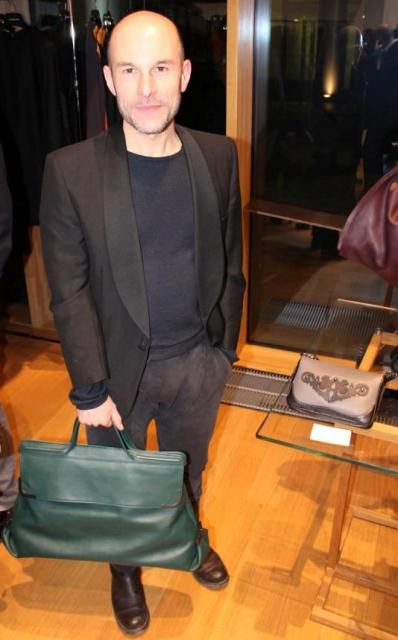 Silvano Arnoldo along with the bags by Arnoldo Battois, photo by Giorgio Miserendino