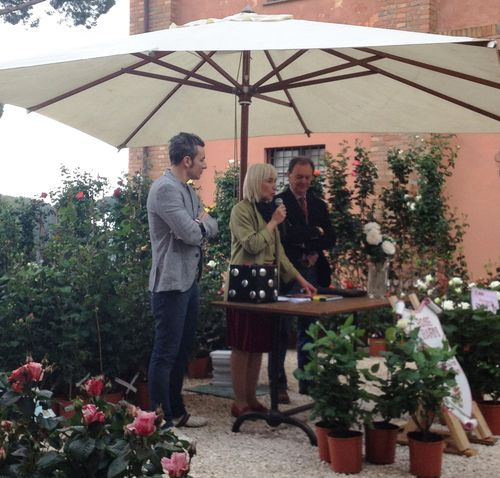 Vittorio Barni and the curator of Floracult Antonella Fornai during the launch of Floracult