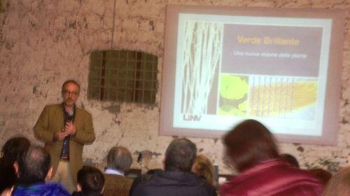 """Stefano Mancuso during the book launch of """"Verde brillante. Sensibilità e intelligenza del mondo vegetale(Bright green. Sensibility and intelligence of vegetal world)"""""""