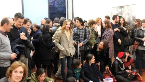 Sergio Zambon on the left along with the crowd waiting for the start of performance by Emiliano Maggi, photoby Giorgio Miserendino