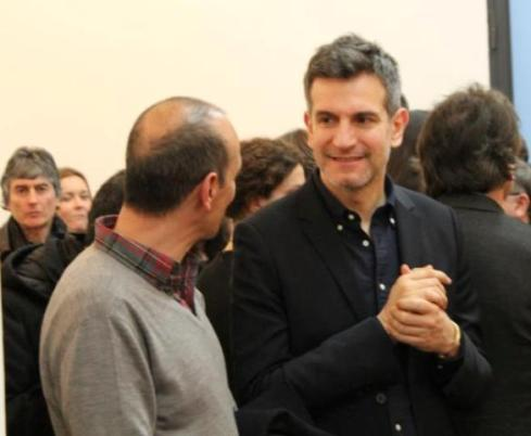 Sergio Zambon talking with a friend at the Lorcan O' Neill Gallery, photo by Giorgio Miserendino