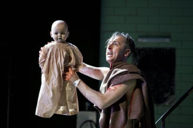 Alan Cumming in Macbeth