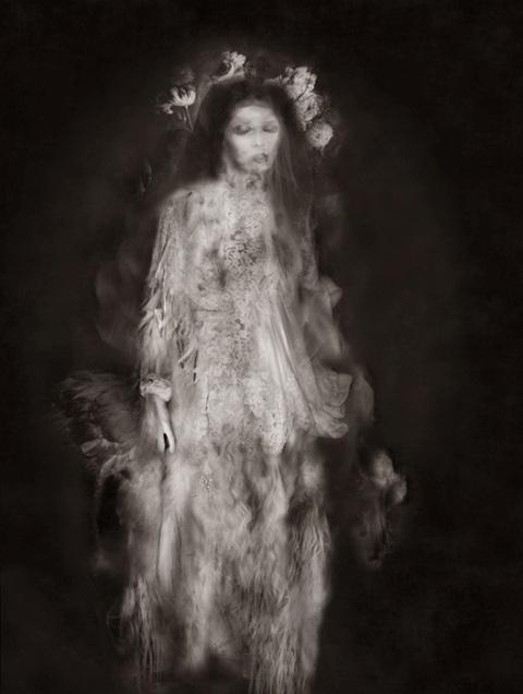 La robe et les fleurs, Thomas Devaux