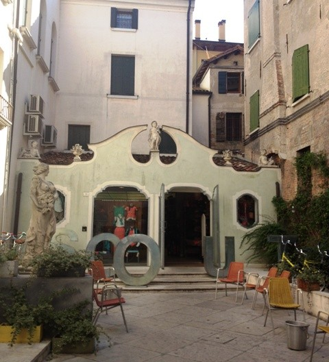 A  drama oriented street in Treviso I like: via dei Filodrammatici