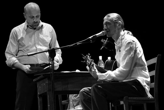 Marco Paolini and Lorenzo Monguzzi, photo by Davide Dutto