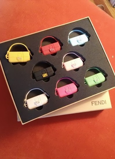 A little fetish, the Fendi baguette turned into memory stick