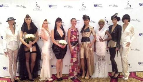 Helen Bender along with the models wearing La mode abyssale and La China Loca