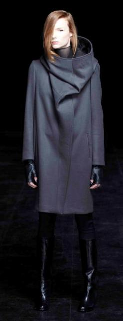 Lutz Huelle Fall/Winter 2013-2014, photo by Franz Galo, courtesy of Lutz Helle