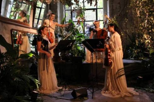 The music ensemble featuring in the fashion show of Antonio Marras, photo by  Giorgio Miserendino