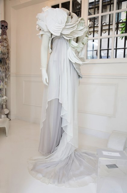 Coppelia Pique Fall/Winter 2013-2014 couture collection, sculpture by Jim Skull
