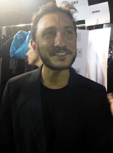 Marco De Vincenzo at the backstage before the fashion show, photo by N