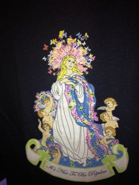 A fun detail embodied in the t-shirt by Vesper for Orsorama, photo by N