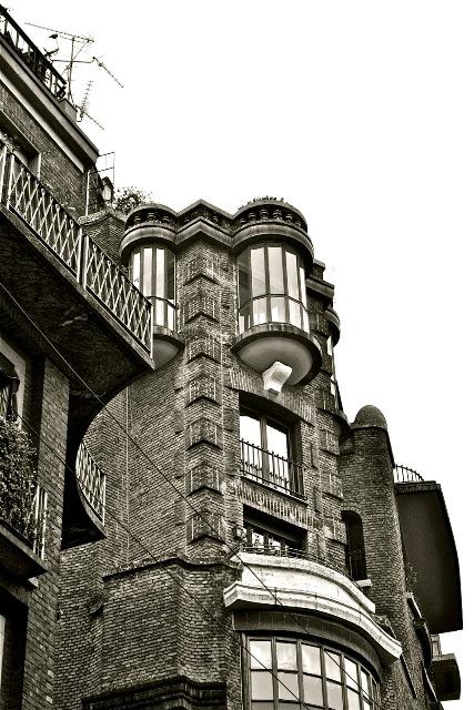 Palazzo Fidia by Aldo Andreani, Via Luigi Amedeo Melegari, Milan, photo courtesy of Giuseppe Albera