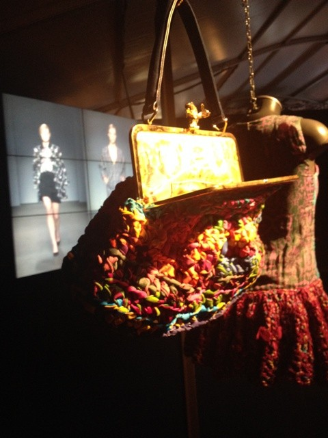 Leitmotiv along with the video of fashion show by L. Rousseau