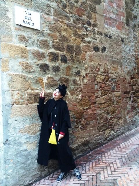 Me at Via del Bacio ( standing as Kiss Avenue), photo by Silvia Pavanello