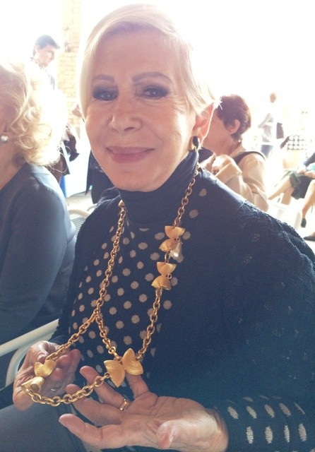 Anna Venturini Fendi at the talk, showing me a necklace designer many years ago by Karl Lagerfeld for Fendi, photo by N