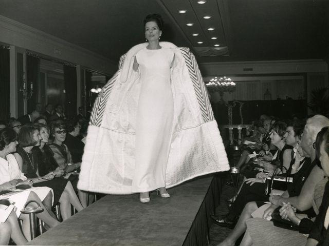 Fendi, vison, mink coat, 1960. photo © Pierluigi Praturlon/Reporters Associati & Archivi