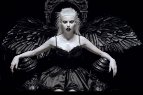"Yo-Landi Vi$$er, still image from the music video of ""Ugly boy"" by Die Antwoord, directed by Ninja"