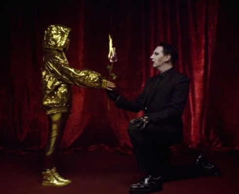 "Yo-Landi Vi$$er and Marilyn Manson, still image from the music video of ""Ugly boy"" by Die Antwoord, directed by Ninja"