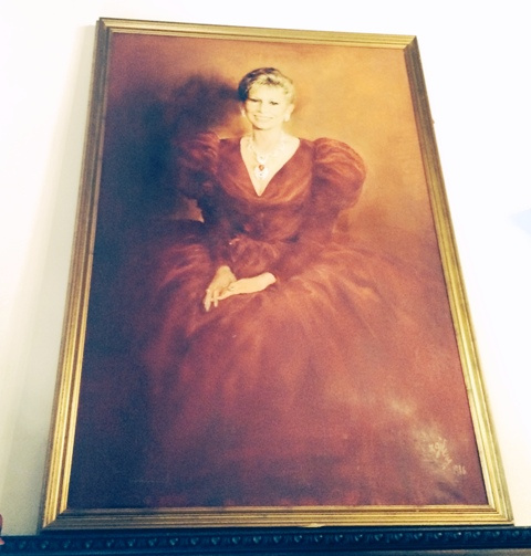 Anna Fendi on canvas at Villa Laetitia, Rome, photo by N