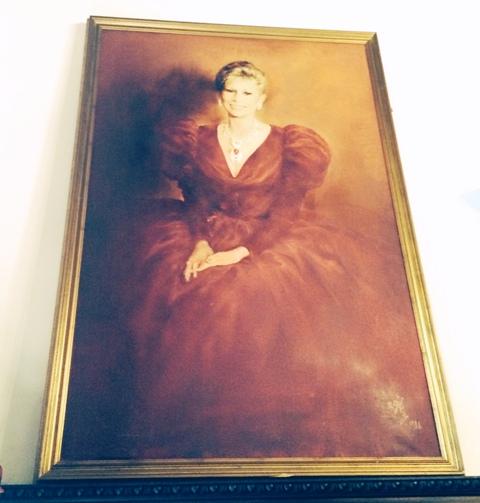 Anna Fendi on canvas at Villa Laetitia, Rome, photo by N