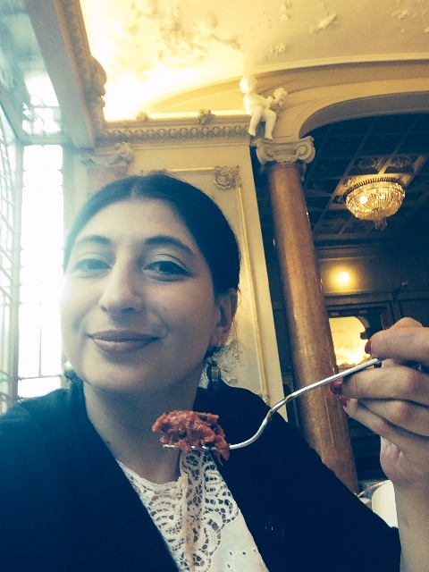 Me, myself and I and my favourite dish, the tartare, photo by N