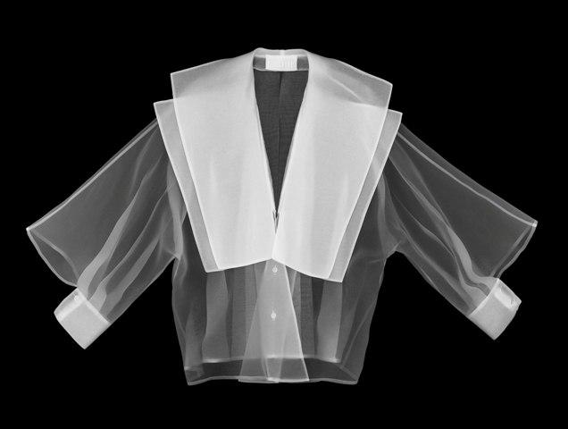 Gianfranco Ferré, Sailor Glam shirt, Spring/Summer 1982, photo by Leonardo Salvini