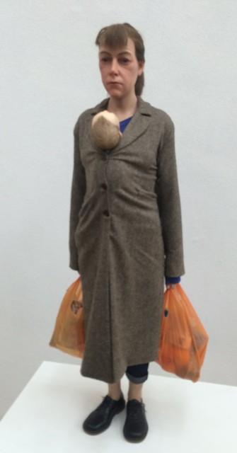 Ron Mueck, Woman with shopping, 2013, Fondation Cartier pour l' art contemporain, Paris, photo by N