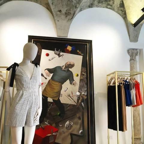 Dana Roma ft. the self-portrait by David Dalla Venezia