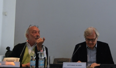 Gaetano Pesce and Vittorio Sgarbi at Palazzo Morando during the press conference of exhibition, photo by Jasmin Schroeder