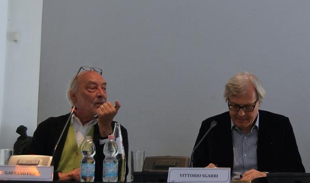 Gaetano Pesce and Vittorio Sgarbi at Palazzo Morando during the press conference of exhibition, photo by Jasmin Schroeder