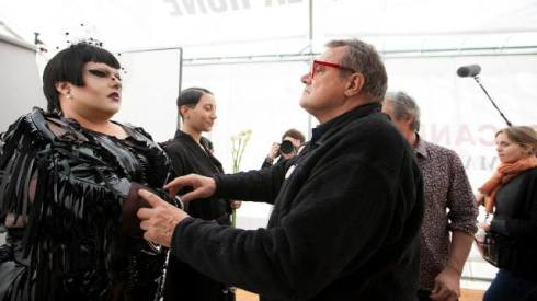 Backstage photo featuring Naco Paris and Oliviero Toscani, photo by Pierrick Bequet Recadr, courtesy of Naco Paris